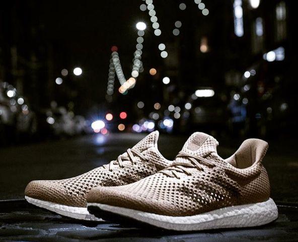 Performance-Schuh aus Biosteel: Der Futurecraft Biofabric ist der erste Schuh aus der künstlichen Spinnenseide (© Instagram/Adidas)