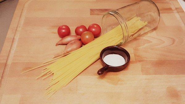 Was haben Spaghetti mit Kunststoff zu tun? (© Hanser/M. Ehrhardt)